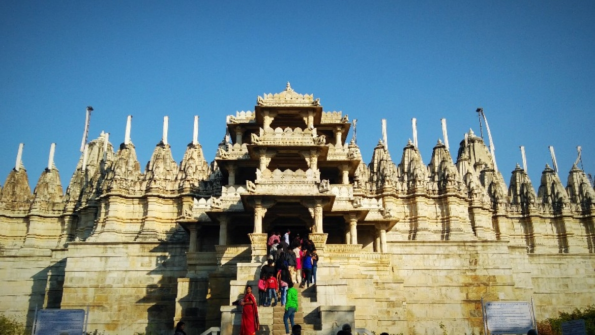 Three storeys at Ranakpur temple