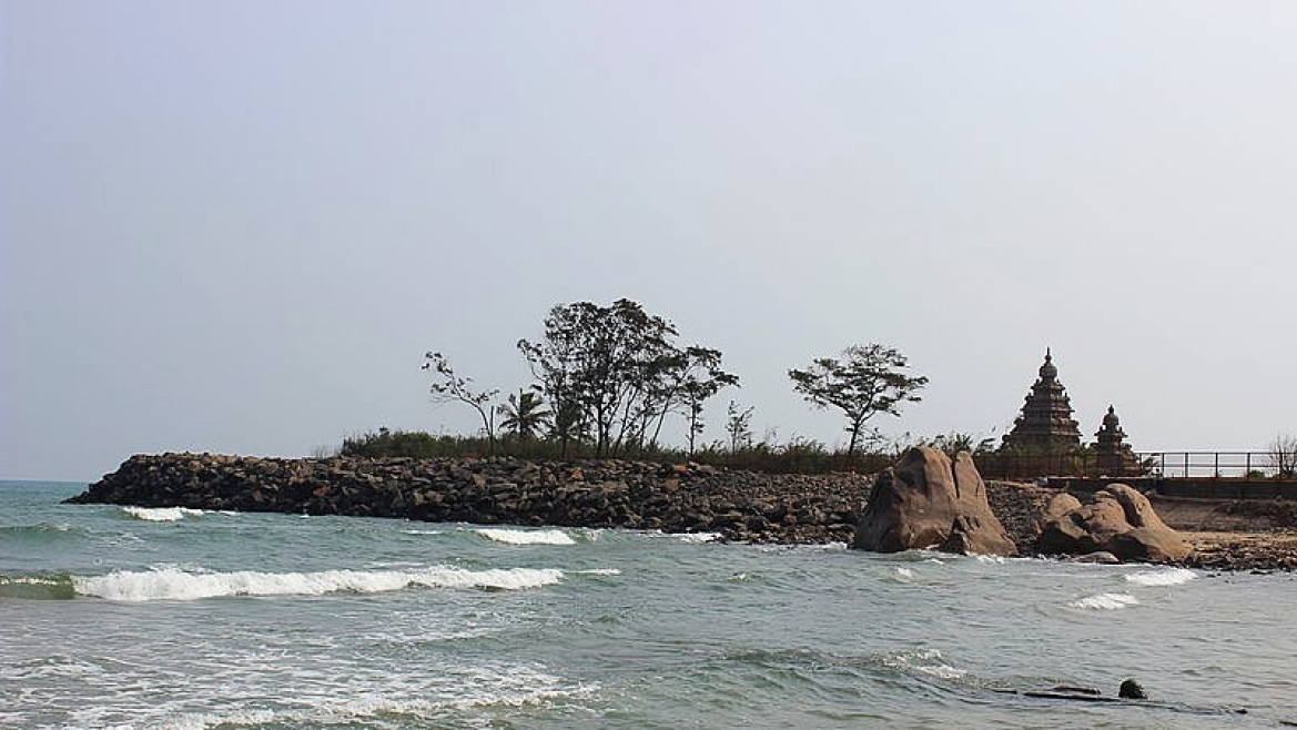 Coast of Mahabalipuram and the Shore temple