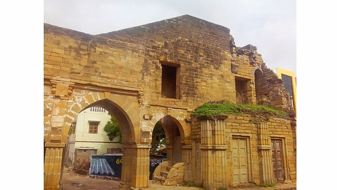 Fortified gate at Mandvi built by Jadeja rulers