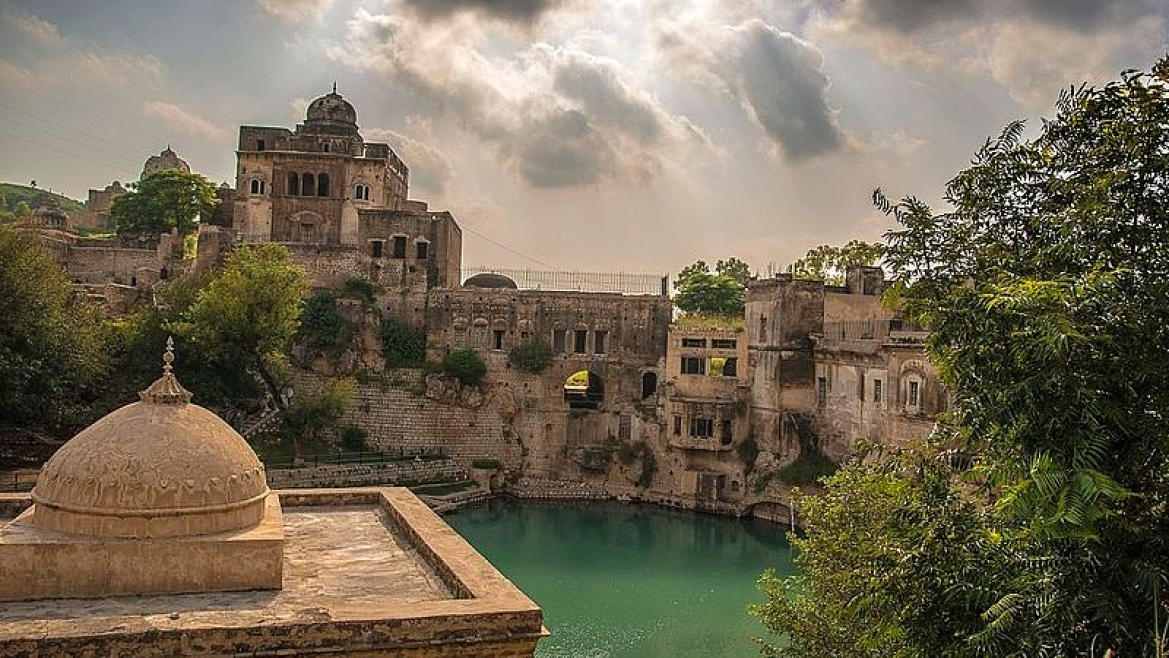 Bird's eye view of Katas Raj temple complex