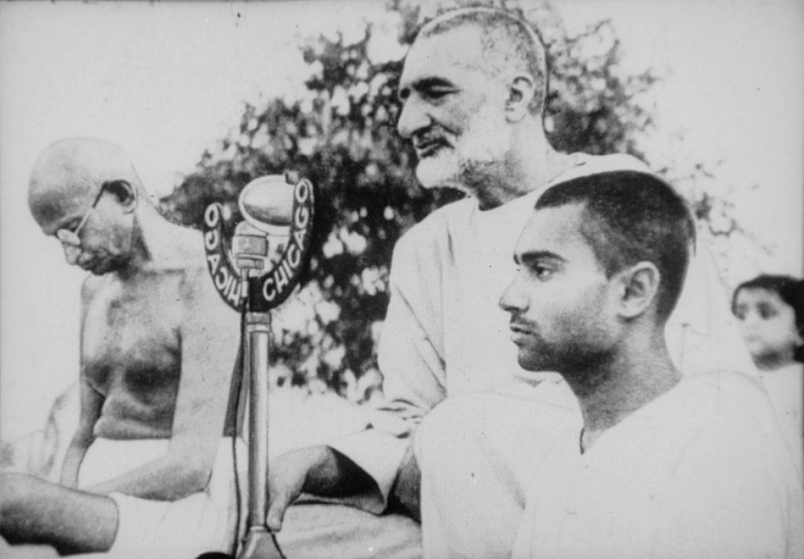 Abdul Gaffar Khan with Gandhiji delivering a Public speech