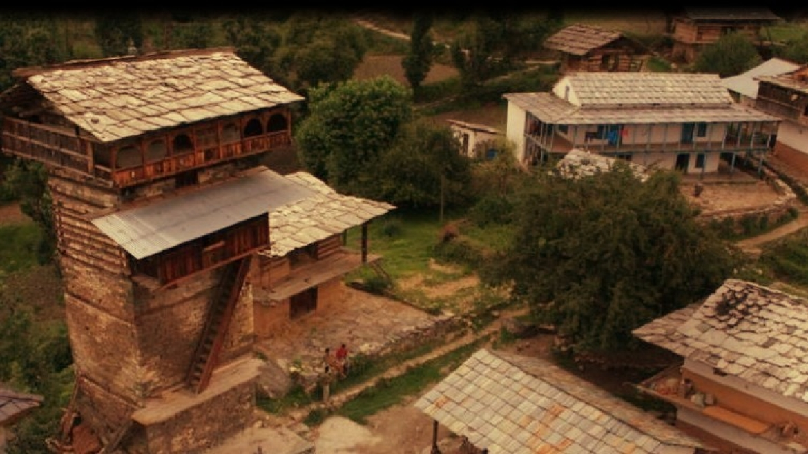 Chaini Village Chowk from atop Chaini Kothi
