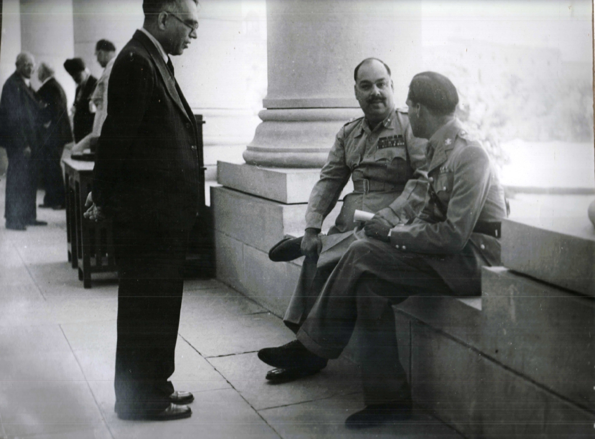Photograph of Maharaja Sadul Singh of Bikaner and Nawab Hamidullah Khan of Bhopal at the corridors of Parliament House during Chamber of Princes session, 1947