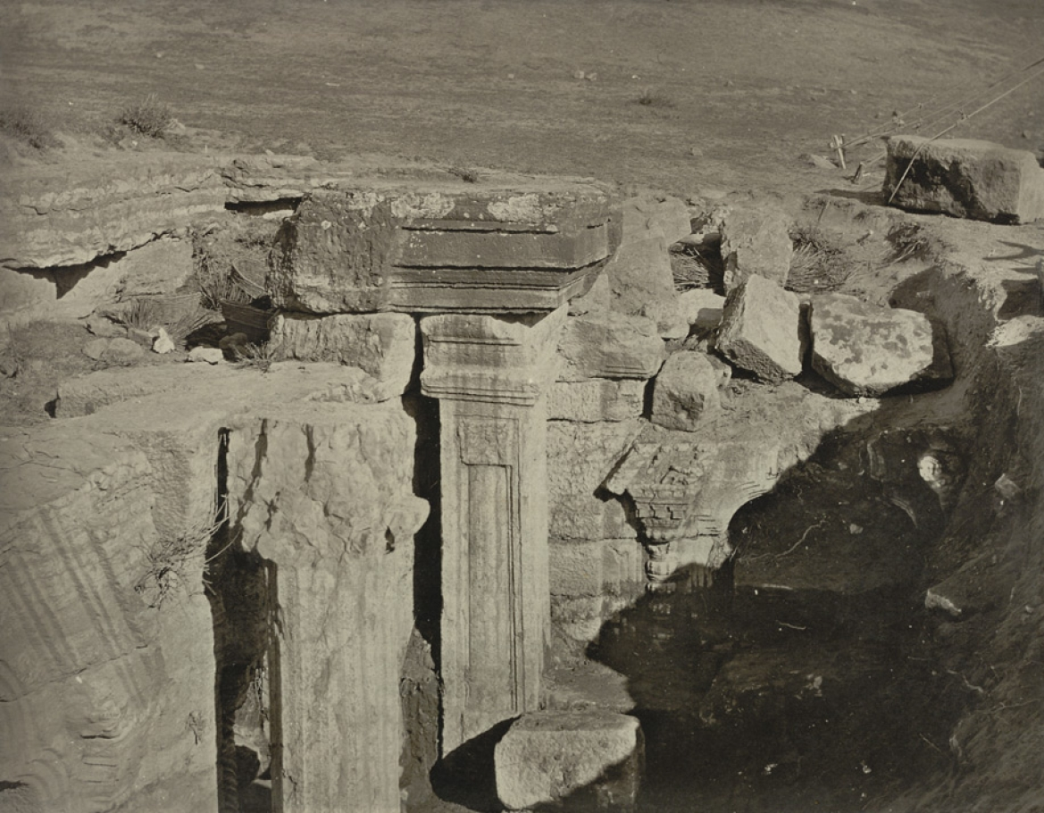 Photograph of the temple ruins (1869)