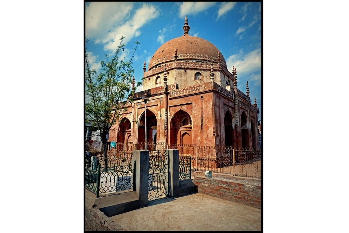Tomb of Feroz Shah Tughlaq in Jaunpur