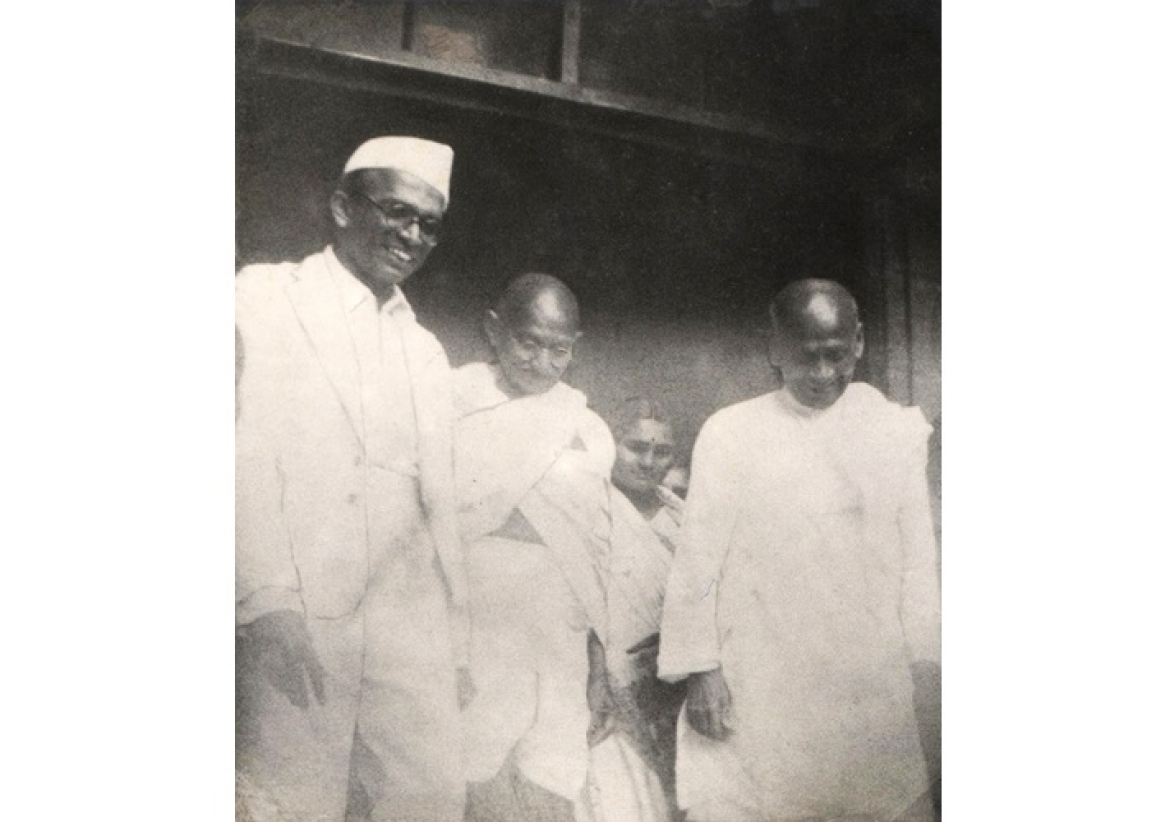 Visit of Mahatma Gandhi and Sardar Vallabhbhai Patel in 1945