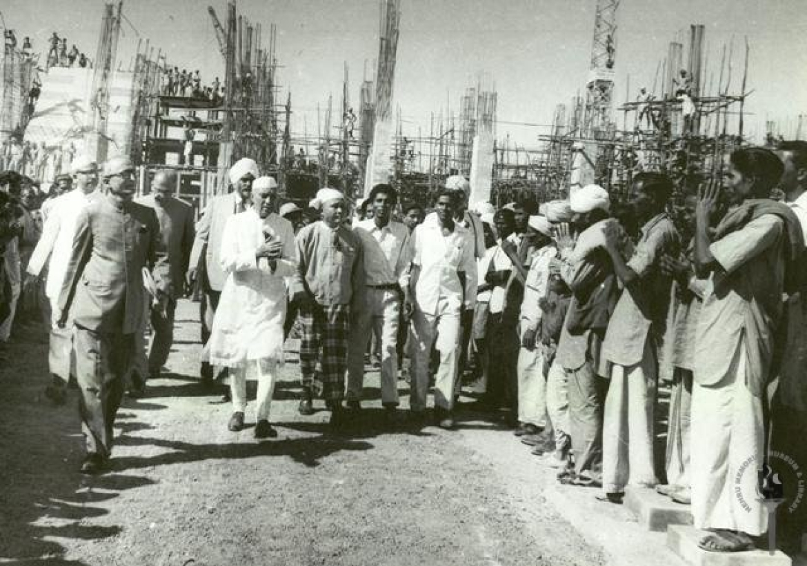 Jawaharlal Nehru greeting the workers of Hirakud Dam,