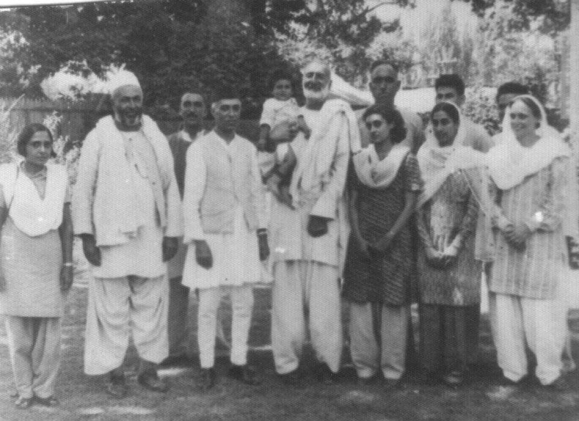 Freda Bedi along with 5 future prime ministers