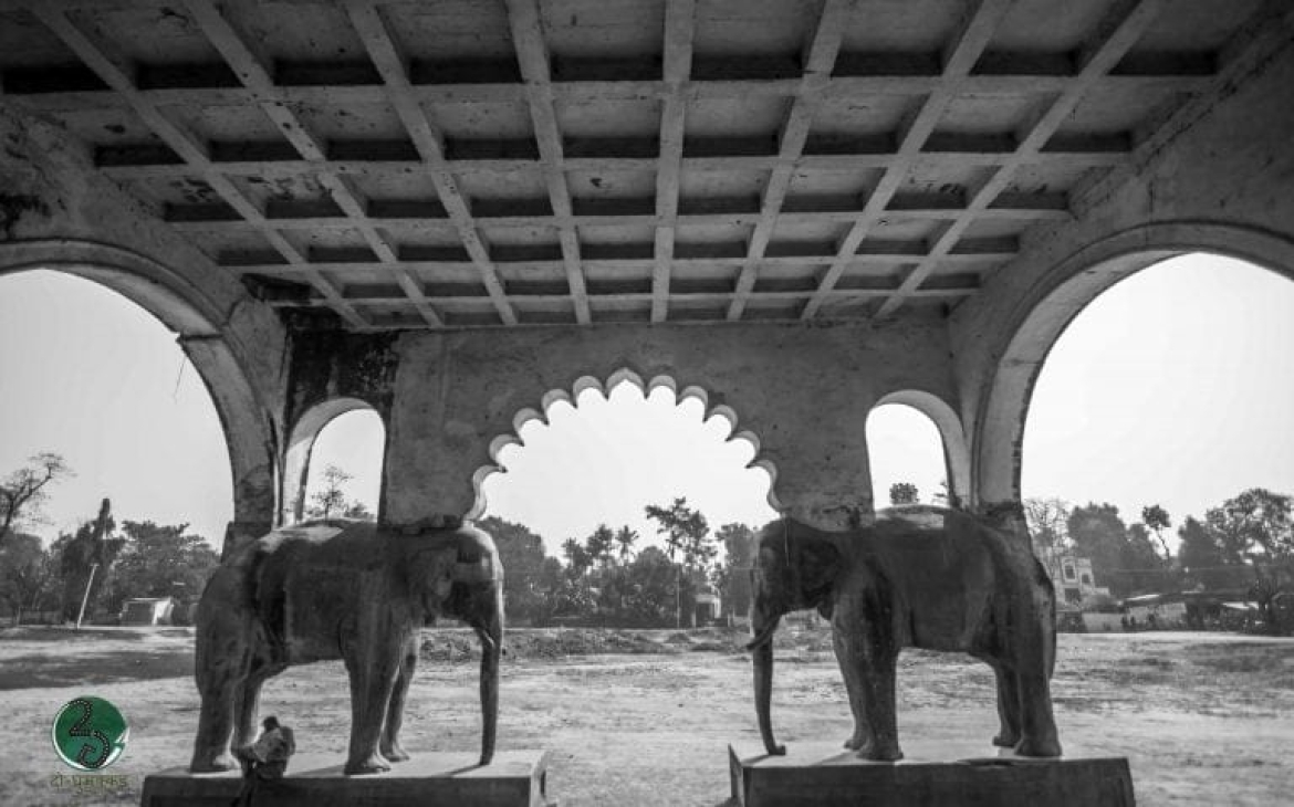 The elephant-styled pillars