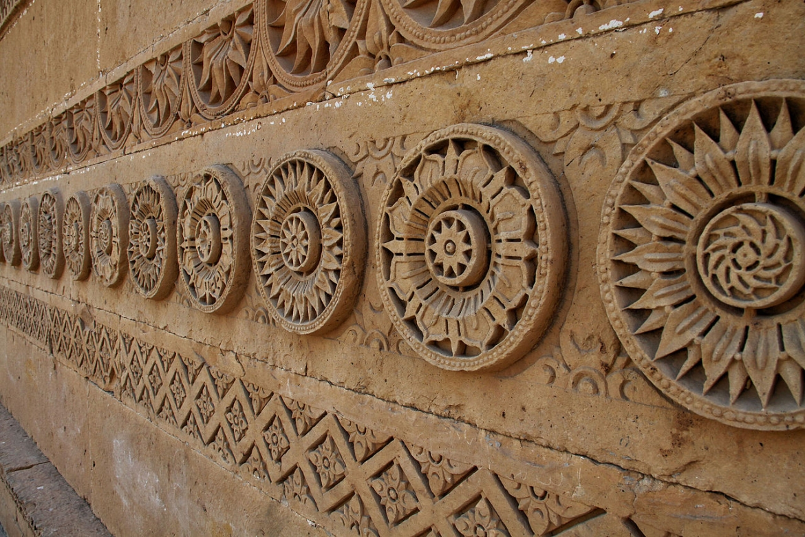 Intricate design on one of the tombs