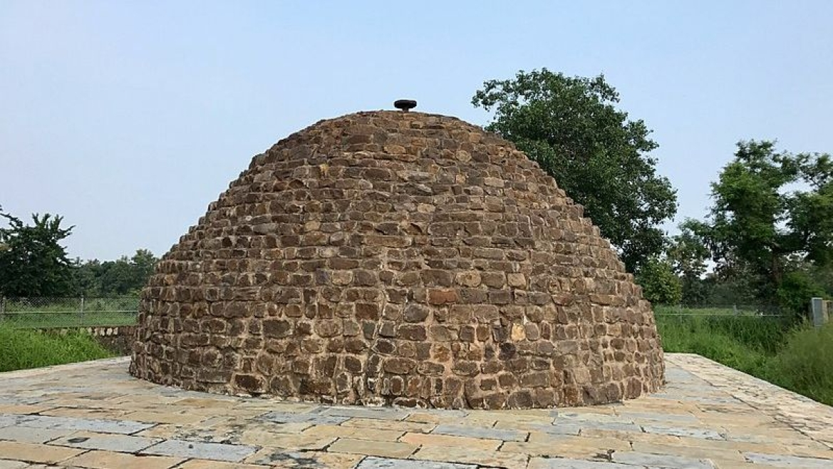 Ruins of a stupa in Sirpur