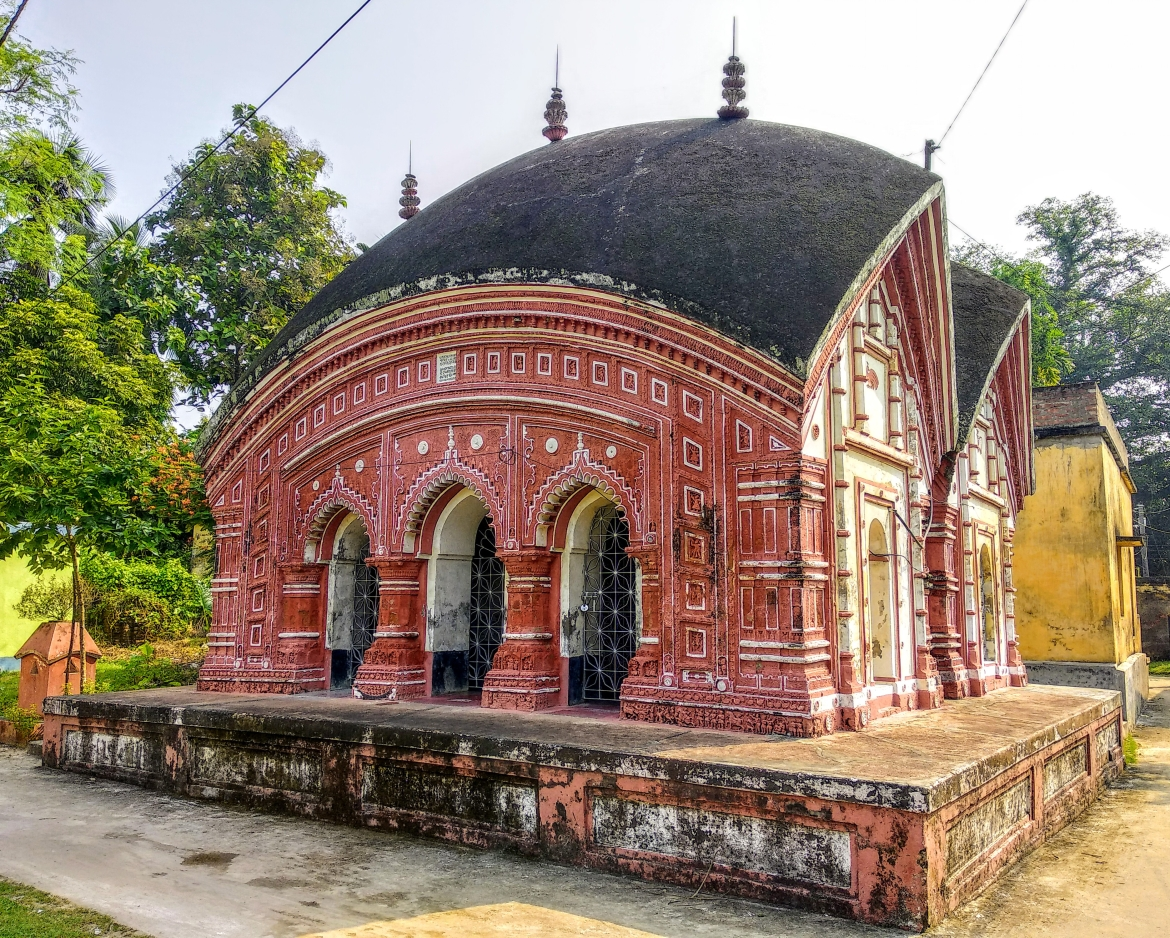 The 326-year-old Jora Bangla Temple of the Mitra Mustafi family in Ula-Birnagar