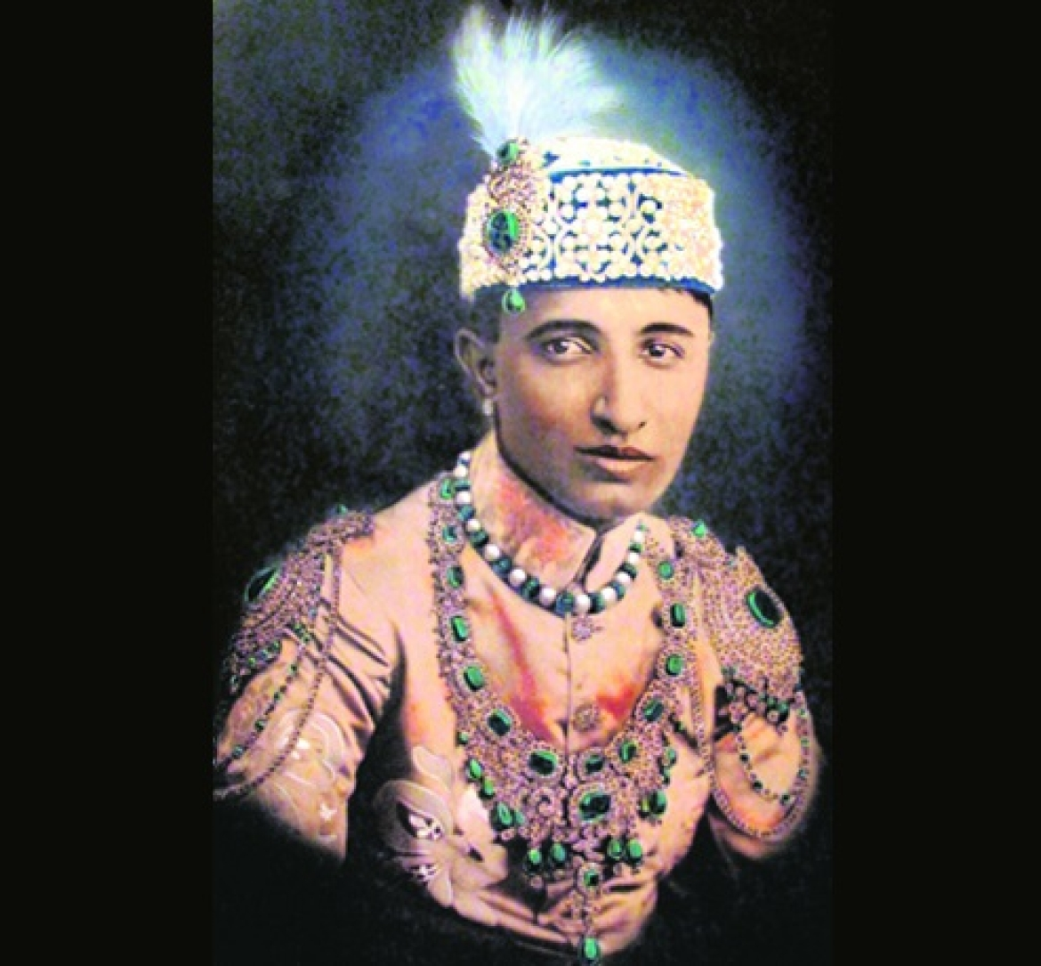 Nawab Sir Raza Ali Khan wearing the necklace with 'flawless' emeralds