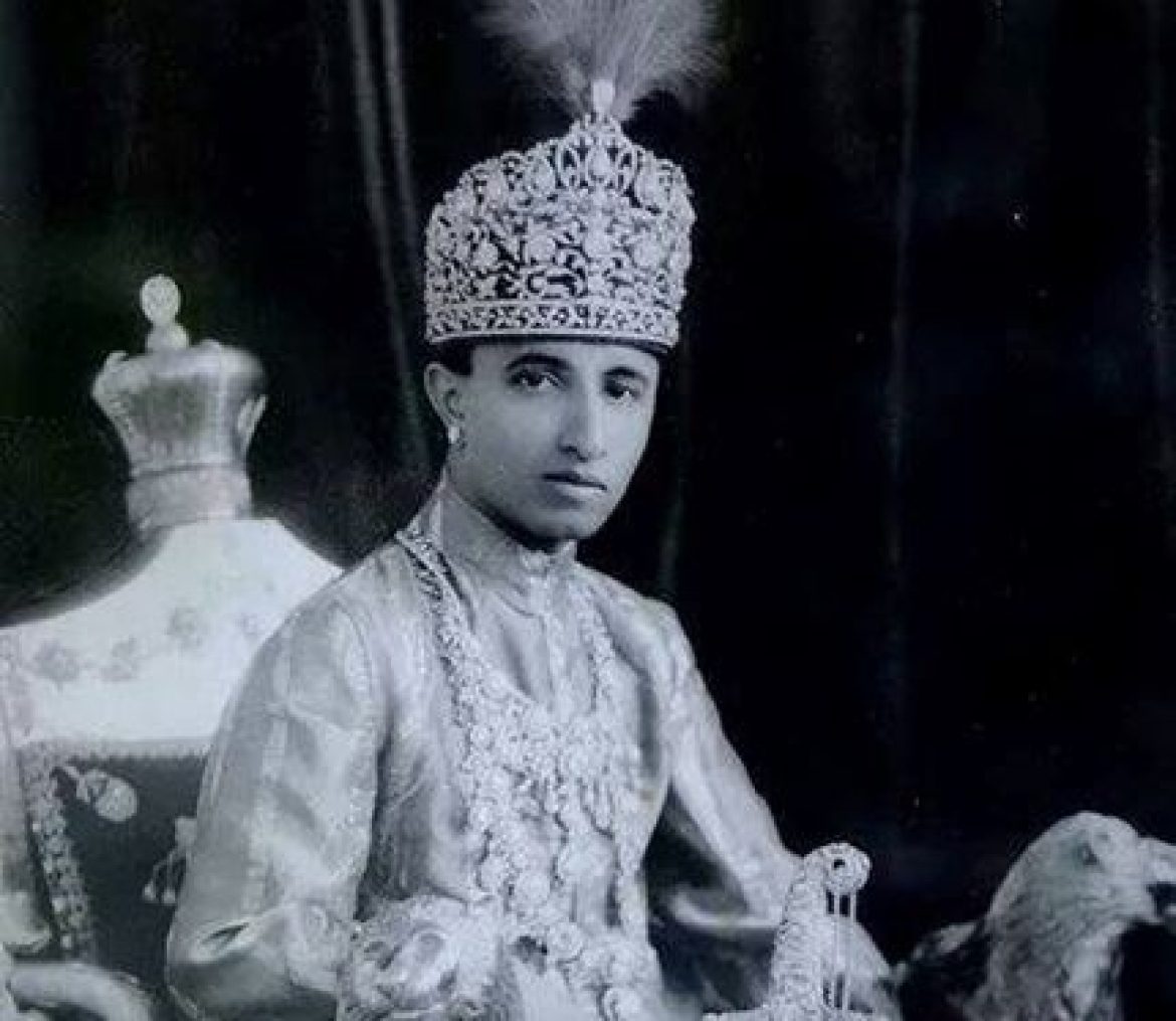 Nawab Raza Ali Khan wearing the diamond necklace with four famous diamonds