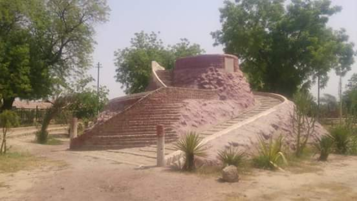 Memorial of Toba Tek Singh in Teku Park
