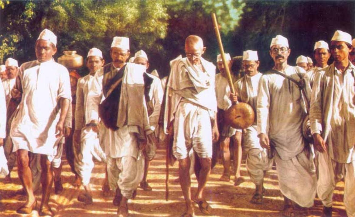 Gandhi leading his followers  on the Salt March