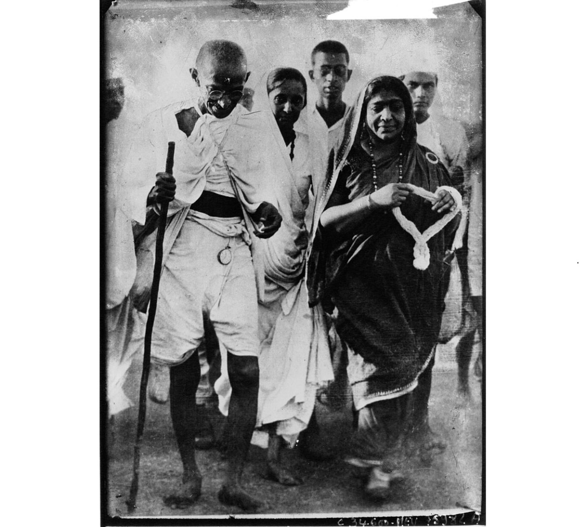 Mahatma Gandhi with Sarojini Naidu during the Salt March