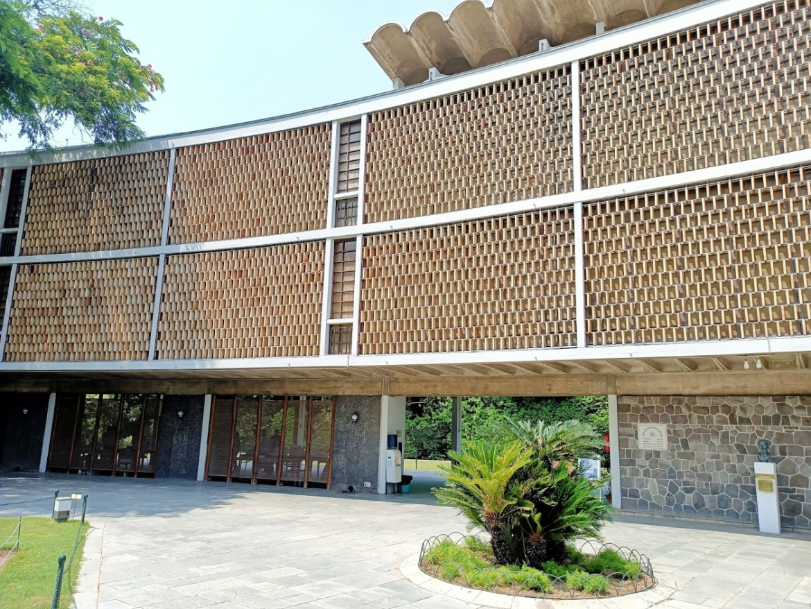 Courtyard façade with the <i>jaali </i>made of hand made clay bricks at India International Centre &nbsp;