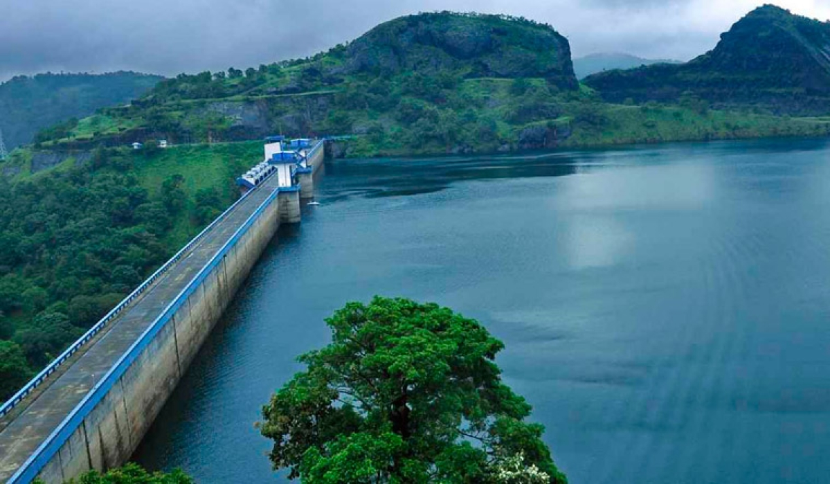 Idukki dam: Don't panic; follow directives, CM appeals