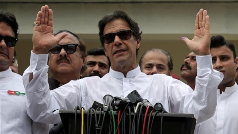 Imran Khan Won't Invite Foreign Leaders, Opts for Simple Oath-taking Ceremony