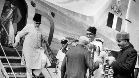 Sheikh Abdullah receives Jawaharlal Nehru at Srinagar Airport in September 1949