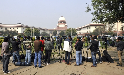 Demonetisation—SC agrees to hear Centre's transfer petition plea