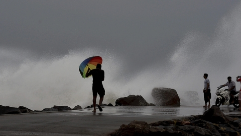 Cyclone Vardah: AP, TN, Puducherry on high alert