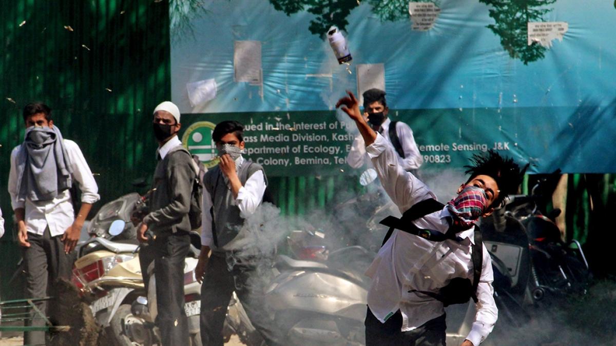 Kashmir tense: Internet mobile, schools, colleges shut down