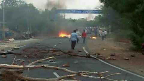 Farmers' agitation spreads, 6 killed in Mandsaur (MP)