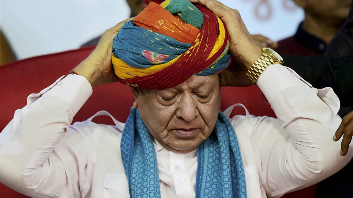 All is not well with both the Congress and the BJP in Gujarat