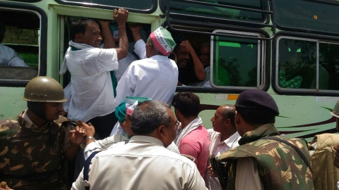 Police prevent farmers' leaders from reaching Mandsaur