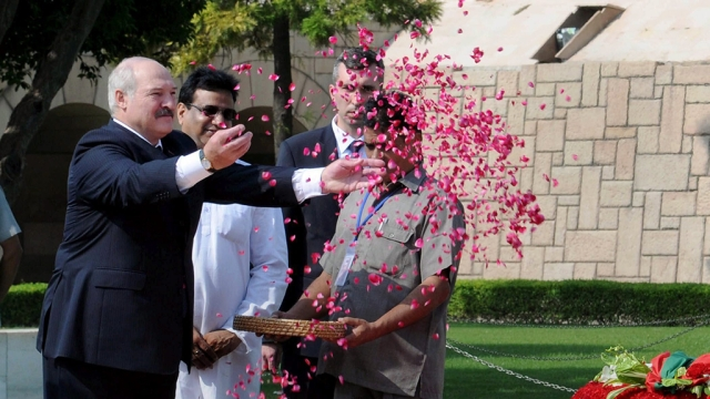 President of the Republic of Belarus, Alexander Lukashenko, pays floral tributes at the Samadhi of Mahatma Gandhi, at Rajghat, in Delhi.