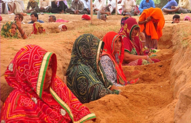 Farmers continue their 'Satyagrah' - nonviolent resistance - against alleged forcible acquisition of their land by  Jaipur Development Authority at Nindar Village in Jaipur