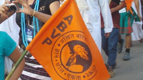 ABVP leaders install  Savarkar's statue in DU's north campus without permission, draw flak