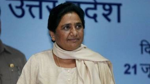 BSP Chief Mayawati hints she is contender for PM's post