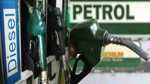 Petrol prices in Delhi at 3-year high; diesel at record level