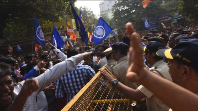 Protesters clash with the police in Mumbai