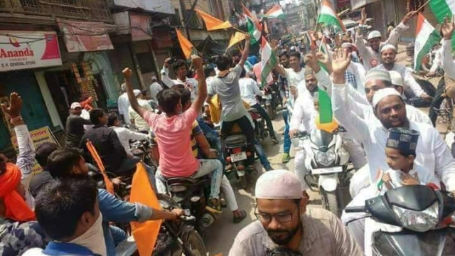 A bike rally led by Salkalp Foundation and ABVP cadres, with tricolour and saffron flags, disrupted a flag hoisting ceremony by Muslims in the area.