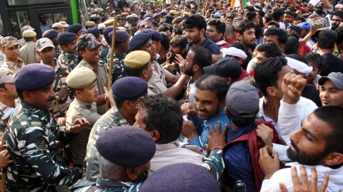 'Yuva Halla Bol' in Delhi turns violent