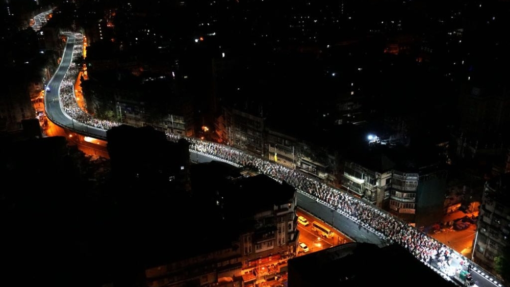 The long march of farmers struggling under severe agrarian distress crosses the JJ Flyover en route to Azad Maidan in South Mumbai; Their ultimate destination was the Mantralaya, administrative seat of the Maharashtra government