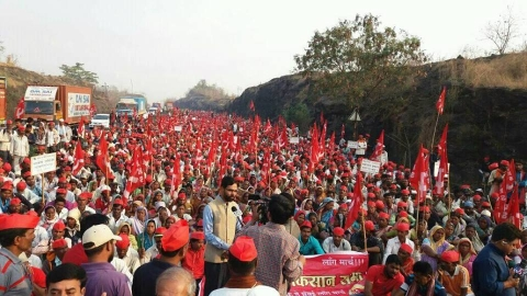 Maharashtra farmers' march gets Sena, PWP, MNS, AAP support