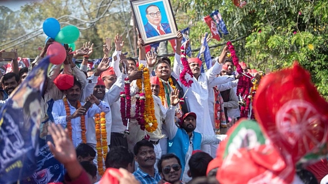 Samajwadi Party and Bahujan Samaj Party workers throng the roads of Allahabad SP National President Akhilesh Yadav's road show for the Phulpur Lok Sabha bypoll