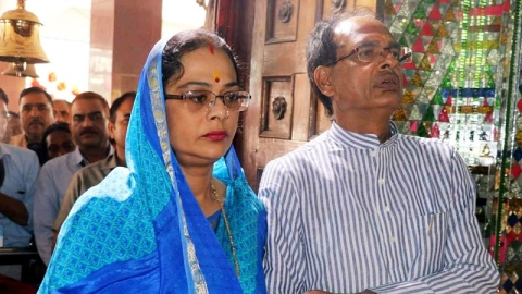 Watch: MP CM Shivraj's wife on campaign trail faces people's ire for lack of drinking water