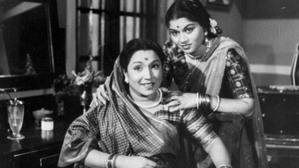 File photo of Lalita Pawar (sitting)