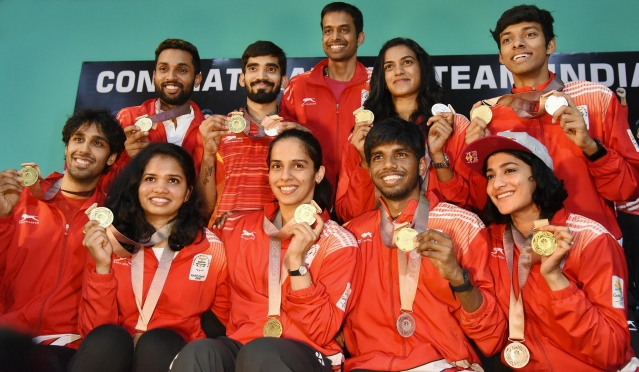 Shuttlers Saina Nehwal, Kidambi Srikanth, PV Sindhu and other players show their Commonwealth medals at a press conference in Hyderabad. Coach Pullela Gopichand is also seen