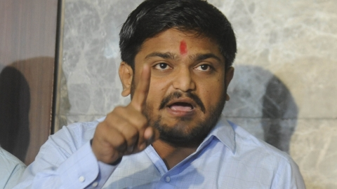 Hardik Patel fears impending  attack after security withdrawn