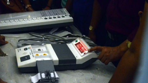 Huge discrepancy in EVMs supplied and deployed:  RTI replies