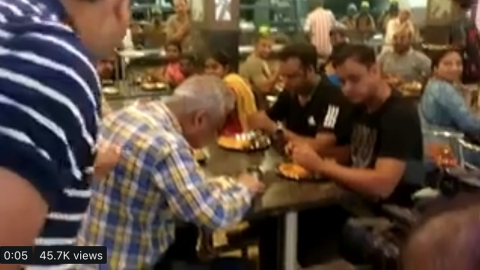Watch: Aggressive Modi fans heckle TV journalist in Bengaluru eatery