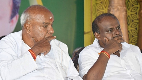 JD(S) chief HD Deve Gowda signalling to son to honour 'secular' name?