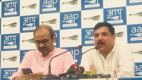 Four years of Modi govt: AAP slams govt on rising fuel prices, broken promises
